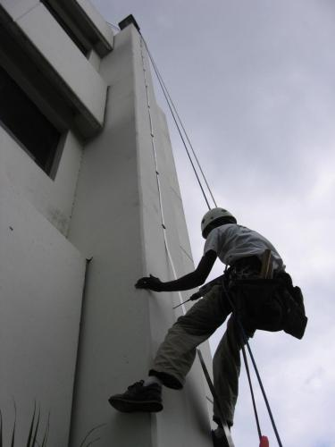 colocacion cinta de cobre en pared